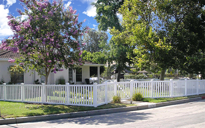Enclosed Picket Fence