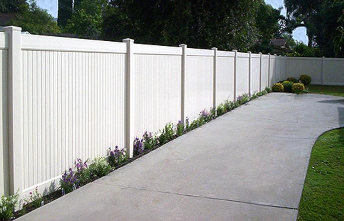 Vinyl Solid Privacy Fencing